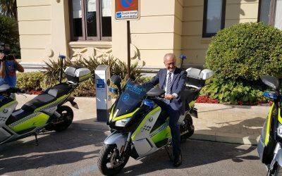 JUMA entrega 20 nuevas motos de la Policía Local de Málaga
