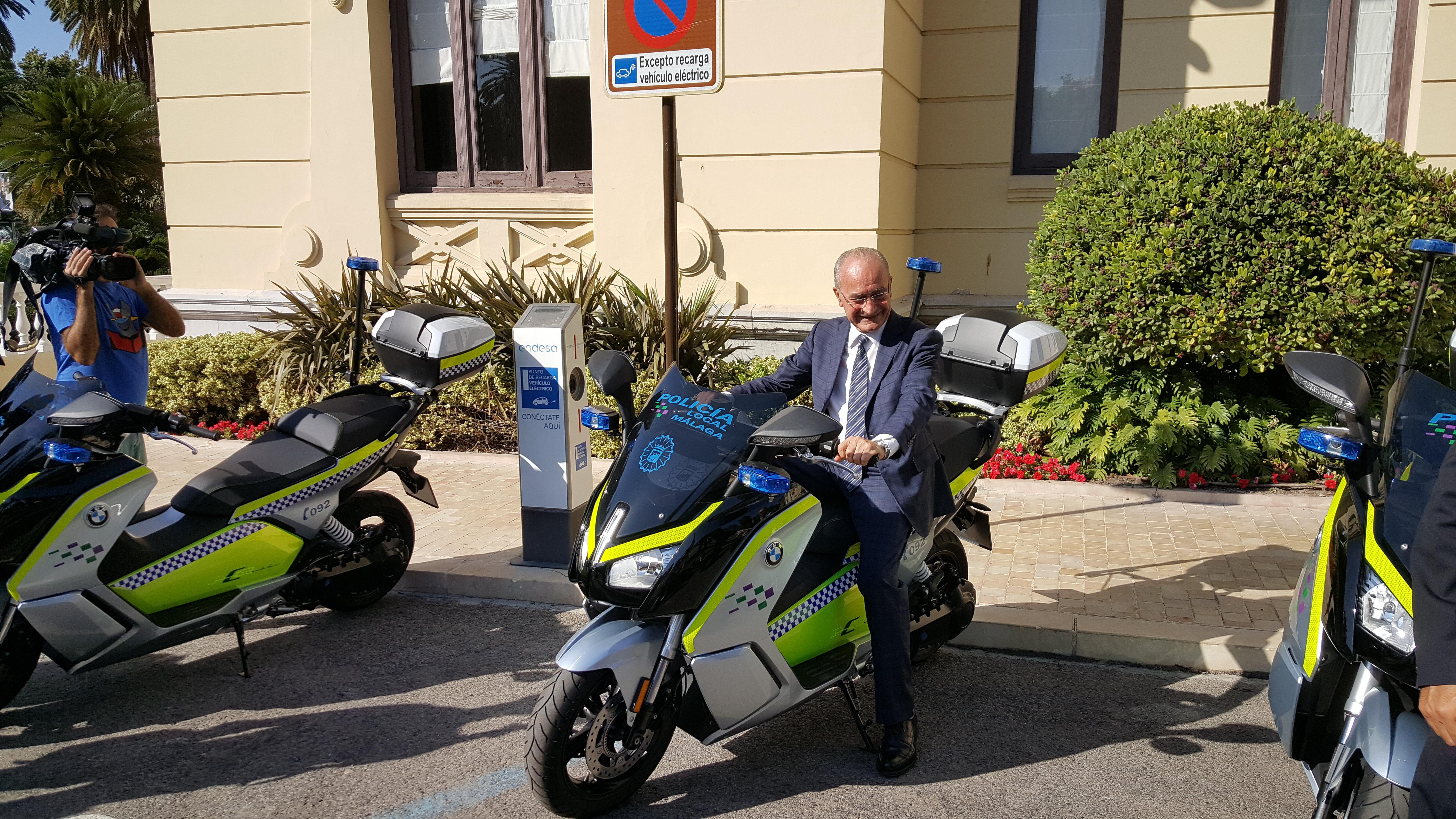 Entrega motos Policía Local de Málaga