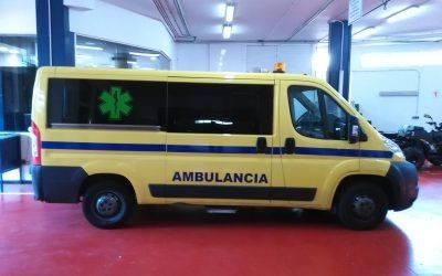 JUMA entrega una ambulancia al Servicio de Salvamento y Socorrismo de las playas de Marbella