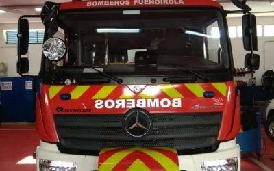 El Cuerpo de Bomberos de Fuengirola adapta los puentes de luces y rotativos de su flota de vehículos