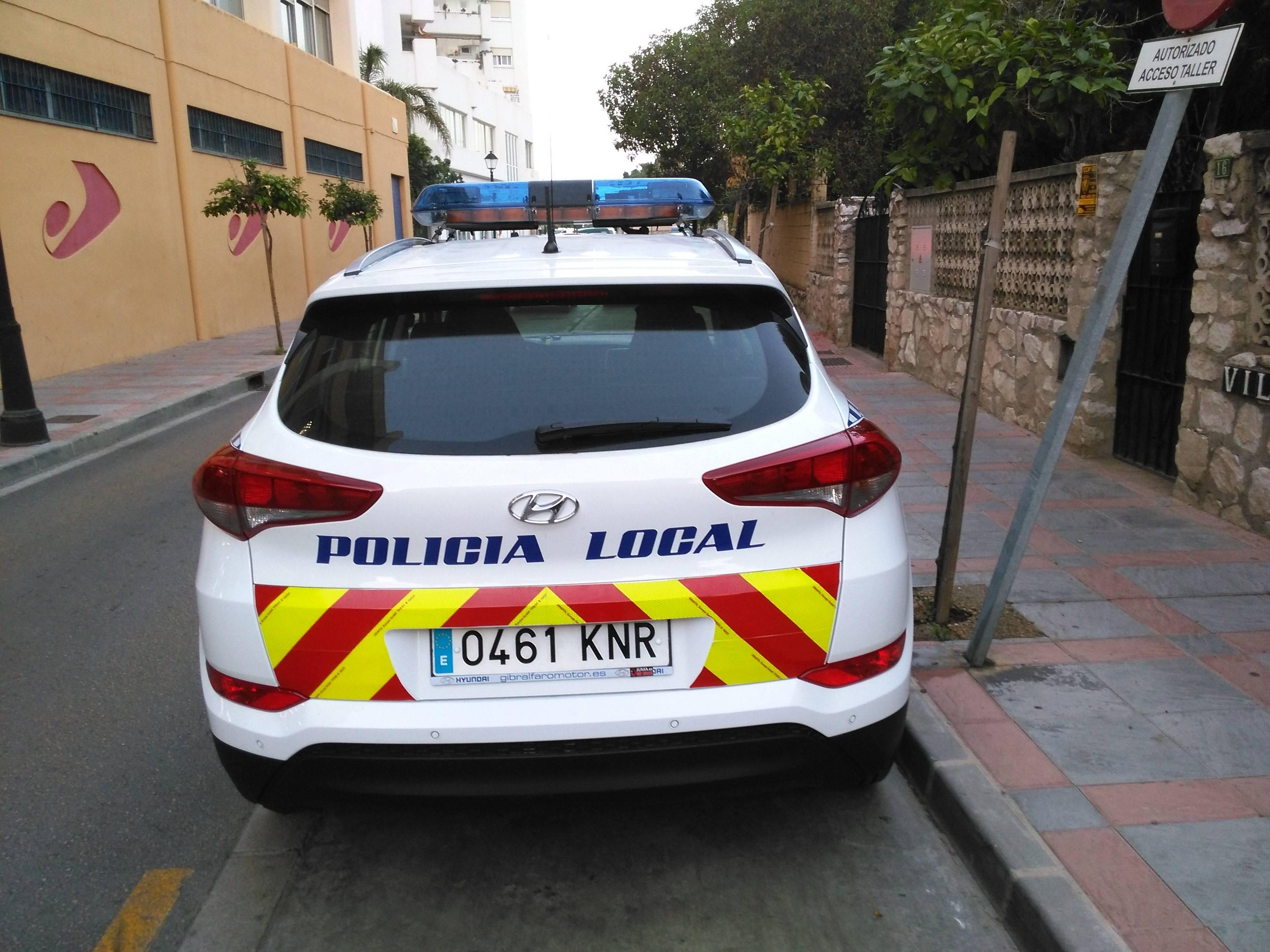 Transformación vehículo policía