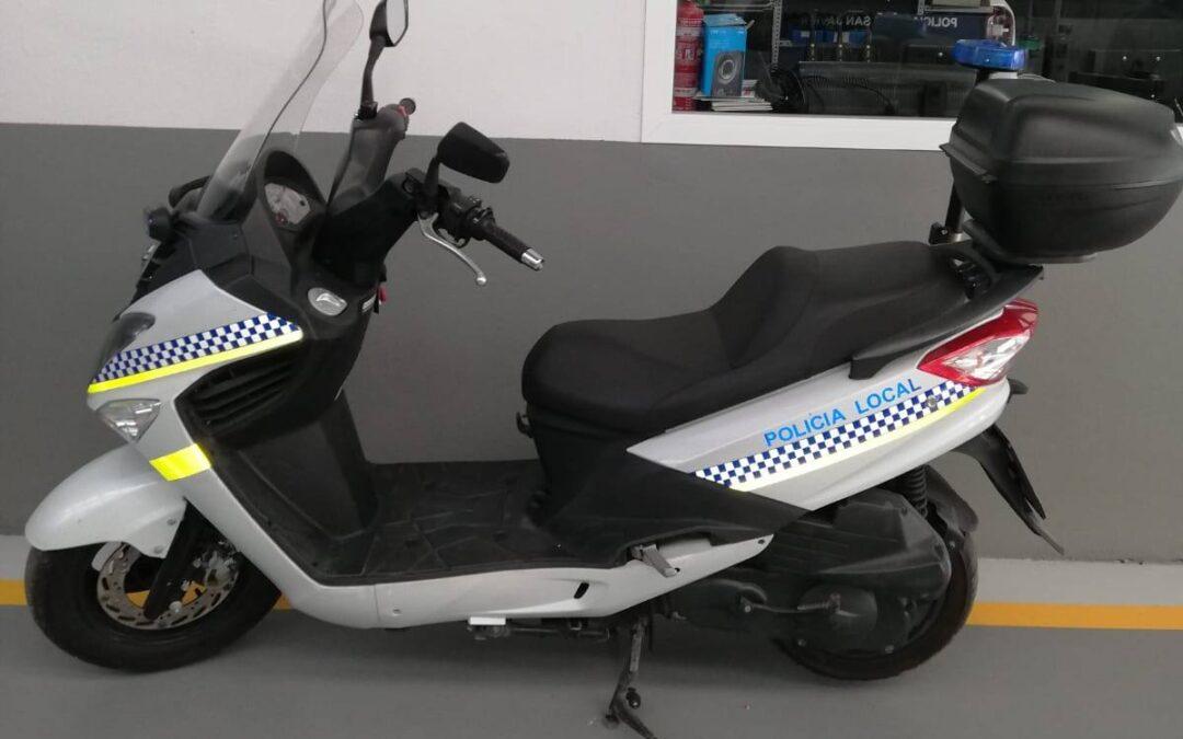 Policía Local de Adra alquila dos motos en verano