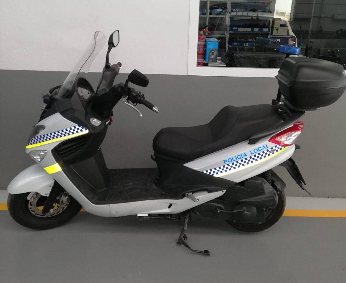 Policía Local Adra motos verano
